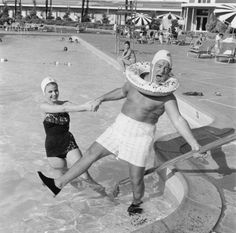 Jayne Mansfield Poses Near Pool Vintage 8x10 Reprint Of Old Photo Bonne Femme Artistes Et