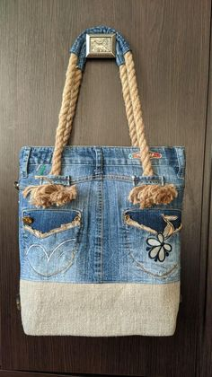 icu ~ Pin na Szycie ~ Embroidery denim Sewing projects, holiday Sewing proje. Denim Bag Patterns, Denim Purse, Denim Bags From Jeans, Sewing Kids Clothes, Bags Sewing, Denim Handbags, Baby Sewing Projects, Denim Crafts, Fabric Bags