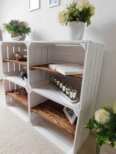 Deze Tres Fruitkisten zijn ideaal om kasten mee te maken. Kortom een handige meubel om spullen in op te bergen of leuk mee te decoreren. Het tussenschot zit in de lengte. Afmetingen: 50 x 41 x 31 cm ( LxBxH ) Verzendklaar na 3-5 werkdagen White Wooden Box, Wooden Boxes, Shabby Chic, A Shelf, Barbacoa, Plank, Decorative Items, Farmhouse Decor, Diy Projects
