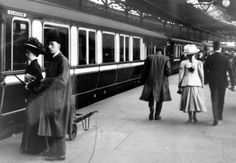 Old photograph of the train from Edinburgh to Glasgow, Scotland