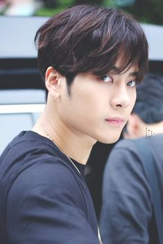 Jackson Wang can attack me with just a look