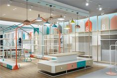 Be kids for one moment - picture gallery shop interior в 201 Kids Shoe Stores, Kids Store, Baby Store, Shop Front Design, Store Design, Design Design, Design Furniture, Kids Furniture, Visual Merchandising