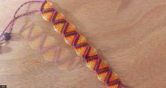 how to make a macrame bracelet type triangles Macrame Bracelet Patterns, Crochet Bracelet, Macrame Patterns, Macrame Jewelry, Macrame Bracelets, Macrame Art, Handmade Bracelets, Thread Bracelets, Friendship Bracelets Designs