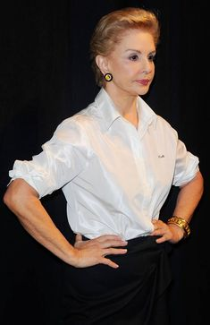 14 Times Carolina Herrera Proved That A White Blouse and Jewels Are The Chicest Combination Blusas Carolina Herrera, Ch Carolina Herrera, Celebrity Travel, Celebrity Style, Love Fashion, Womens Fashion, Fashion Design, Fashion Trends, London Fashion