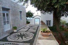Spetses - Greece Pebble Mosaic, Animals Of The World, Greece Travel, Greek Islands, Eastern Europe, Virtual Tour, Coastal Living, Entrance, Photo Galleries