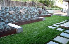 garden edging ideas for flower beds - How To Make A Flower Bed Edging In Your House? Metal Landscape Edging, Steel Garden Edging, Concrete Garden Edging, Lawn Edging, Garden Borders, Landscape Design, Landscape Architecture, Metal Edging, Green Landscape