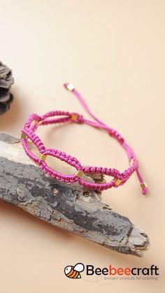 Beebeecraft tutorial on making braided bracelet with nylonthread. Friendship Bracelets Tutorial, Diy Bracelets Easy, Bracelet Crafts, Braided Bracelets, Jewelry Crafts, Handmade Jewelry, Friendship Bracelets With Beads, Leather Bracelets, Ankle Bracelets