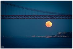 More super moon photos.  Love these!