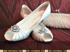 Pretty Bridal Shoes- Elegant flats with a little bit of sparkle!