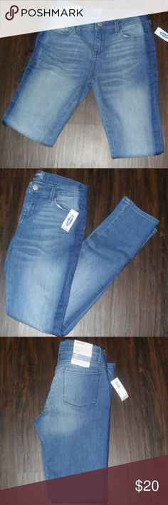 Girls Old Navy Jeans 12 Reg. Skinny/ Ajustable Girls Old Navy Jeans 12 Reg. Skinny/ Ajustable.  Just below waist/ Stretch. Tag on. No Returns. Old Navy Bottoms Jeans