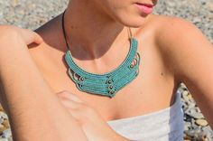 MACRAME bib NECKLACE vintage style blue and green par TribalMacrame