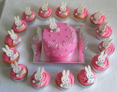Nijntje taart en cup cakes