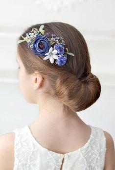 Navy blue flower comb Wedding floral accessory hair Bridal #weddingnavyblue #navyflowercomb #flowerhaircomb #floralcomb #flowerhairpiece #wedding #prom #bridalhair