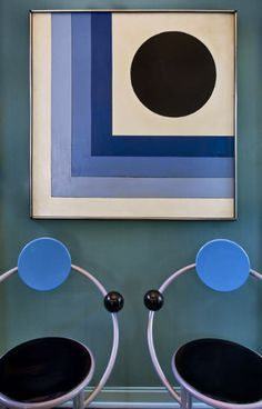 Memphis chairs & Graphic painting: Kelly Wearstler.  (This feels a little more 1970's to me, but I love blue, so I decided to pin it anyway.)