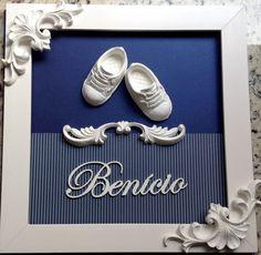QUADRO MATERNIDADE - Benício Tênis Home Decor Boxes, Baby Frame, Baby Kit, Shabby Chic Crafts, Baby Keepsake, Chocolate Decorations, Frame Wall Decor, Arte Popular, Button Art