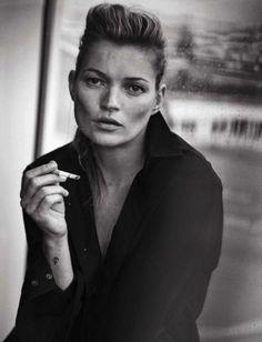 Kate Moss au naturel, retro black/white style by Peter Lindbergh for Vogue Italia