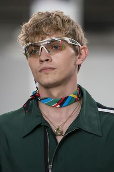 Oakley Sunglasses OFF! Iceberg Spring 2020 Mens Fashion Show Details Men Fashion Show, Mens Fashion, Fashion Outfits, Oakley Sunglasses, Mens Sunglasses, Smart Glass, Menswear, Man Style, Stylish