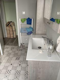 Έπιπλο μπανιου Alcove, Sink, Bathtub, Bathroom, Home Decor, Sink Tops, Standing Bath, Washroom, Vessel Sink