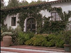 """House from the 2000 movie """"Hanging Up""""...starring Meg Ryan, Diane Keaton, Lisa Kudrow, & Walter Matthaw. I just now caught this movie on tv over the holidays. I'd like to see it again."""