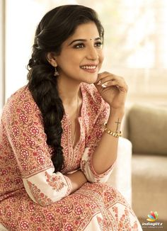 Photograph of Sakshi Agarwal PHOTOGRAPH OF SAKSHI AGARWAL | IN.PINTEREST.COM ENTERTAINMENT #EDUCRATSWEB