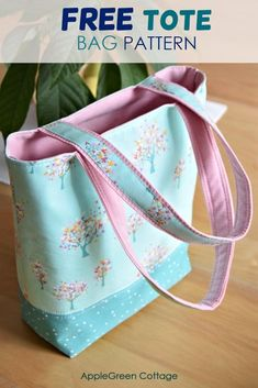 Quilted Tote Bags, Diy Tote Bag, Patchwork Bags, Sew Tote Bags, Bags To Sew, Diy Bags Purses, Bag Pattern Free, Bag Patterns To Sew, Tote Pattern