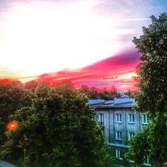 W tym konkretnym momencie. #nowahuta #igerskrakow #sunset #clouds #red #instaphoto