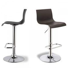 Drawer propose ce modèle de chaise de bar réglable Sacramento, sélectionnépour ses qualités de design & de confort. Il est en effet doté d'une ligne élégante et sa base chromée à hauteur réglable le rend très fonctionnel.