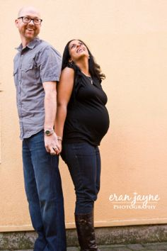laughing maternity photography