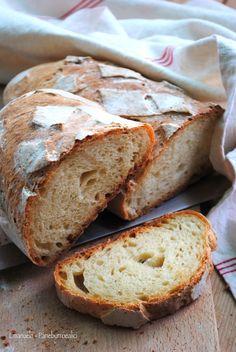 Pane con Yogurt e Fiocchi di Patate Fatto con Lievito Madre