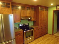 quarter sawn oak kitchen cabinets | kalamazoo-display-kraftmaid