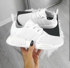 hot sale online a6144 132fd adidas Originals NMD in weiß   weiß    Foto  oliwyesoukupova