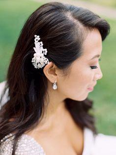 bride headpiece from Upstate New York wedding featured in our Winter/Spring 2016 issue. #trendybride #newyorkwedding