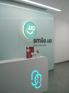 Dental Clinic, Caldas da Rainha, Portugal. Front desk.