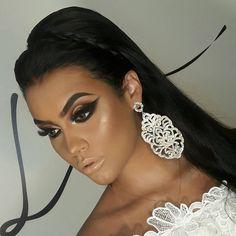 """104 curtidas, 6 comentários - Makeup Artist (@karinaalvesmakeup) no Instagram: """"Mais um lacre!!! ❤ Make by: @prilessamakeup Rolando curso PRO aqui em Goiânia!!! Model:…"""""""