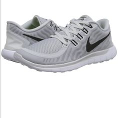 65ae2aba9e1d Nike free tennis shoes gray black 9.5 NEW Newest Nike free style in gray