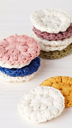 Virkatut puhdistuslaput | Meillä kotona Yarn Crafts, Diy And Crafts, Arts And Crafts, Crochet Fashion, Doilies, Handicraft, Knitting Patterns, Knit Crochet, Upcycle