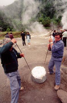 El cocido das Furnas es una especialidad que no te puedes ir sin degustar , Sao Miguel Island, Azores, Portugal