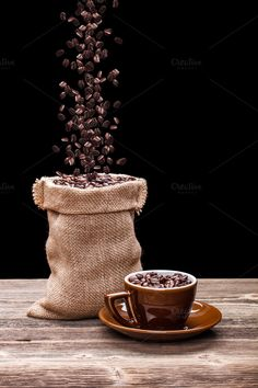 Pouring coffee beans into the sack Coffee Cafe, My Coffee, Coffee Shop, Coffee Drinks, Coffee Cantata, Pouring Coffee, Coffee Enema, Coffee Facts, Coffee Photos