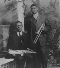 """Big Eye"" Louis Nelson Delisle, seated, and Freddie Keppard"