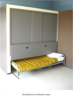 I like this idea for my spare room but a little more refined and a desk on the side?