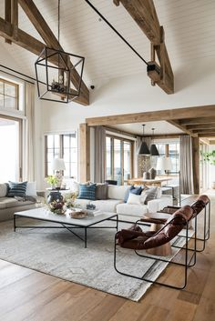 Home Living Room, Living Room Designs, Living Room Decor, Decor Room, Kitchen Living, Style At Home, Modern Lake House, Ranch Style Homes, Ranch Homes