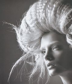 Lily Donaldson photographed by David Sims for V Crimped hair. Bad Hair Day, Big Hair, Creative Hairstyles, Cool Hairstyles, Jean Paul Goude, Wooly Bully, Avant Garde Hair, Lily Donaldson, Crimped Hair