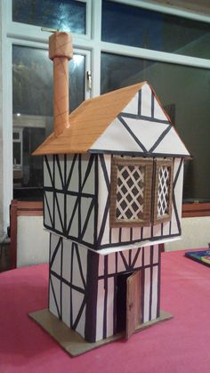 Tudor house model instructions - House and home design Mary Tudor, Margaret Tudor, Tudor Black Bay, Great Fire Of London, The Great Fire, Tudor Cottage, Cottage Plan, Charles Brandon, Exterior Color Schemes