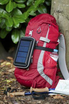 Complemento mochila para tener el Smartphone siempre conectado en actividades al aire libre, Montañismo, Alpinismo o Senderismo http://www.tucargadorsolar.com/blog/complemento-mochila-para-tener-el-smartphone-siempre-conectado-en-actividades-al-aire-libre-montanismo-alpinismo-o-senderismo/