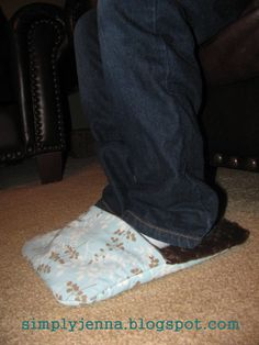 """Mom look-----------rice bag foot warmer. away with you, cold feet! Another pinned said: """"I started making these rice bags for everyone at Christmas a few years ago and the family loves them. They use them almost daily. I hit the jackpot on this idea!"""