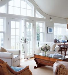 Large windows and lots of natural light..would love in my bedroom and living room!!!