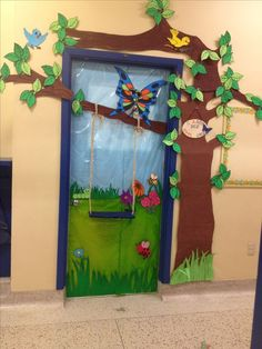 School doors decorating ideas perfect spring classroom door decorations with best decorative images on decoration for . Decoration Creche, Board Decoration, Classroom Bulletin Boards, Classroom Themes, Forest Theme Classroom, Theme Nature, School Door Decorations, Spring Decorations, Class Door