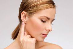 Самомассаж состоит из трёх основных видов, с различным воздействием на организм. Проводится так, что бы появилось ощущение боли, но терпимой. При уменьшении болевого ощущения увеличивают силу возде…