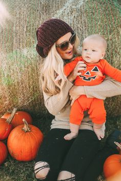 Pumpkin Patch - ish Barefoot Blonde by Amber Fillerup Clark Little Babies, Little Ones, Cute Babies, Baby Pictures, Baby Photos, Newborn Pictures, Pumpkin Patch Pictures, Pumpkin Patch Outfit, First Halloween
