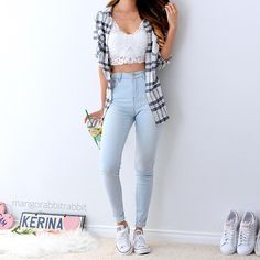 Casual but girly outfit Teen Fashion Outfits, Cute Fashion, Outfits For Teens, Stylish Outfits, Tumblr Summer Outfits, Spring Outfits, Pretty Outfits, Beautiful Outfits, Cute Outfits